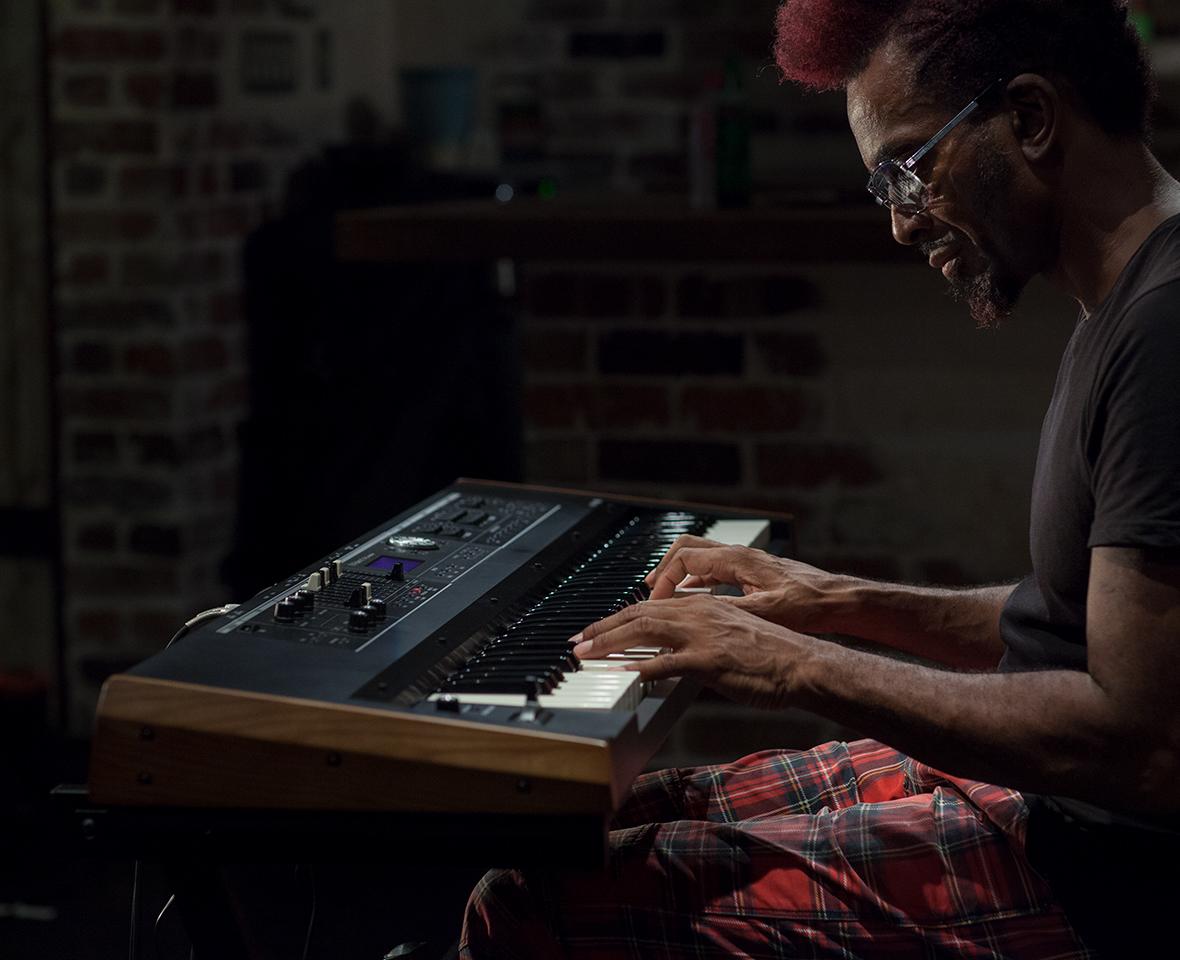 VR-730 ピアノ Roland ローランド シンセサイザー オルガン キーボード V-combo VR-730 VR-09-B